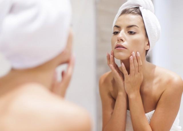women-checking-skin (1)