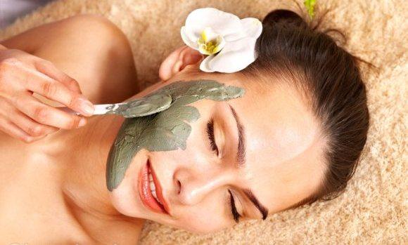 sensitive-skin-care-face-mask
