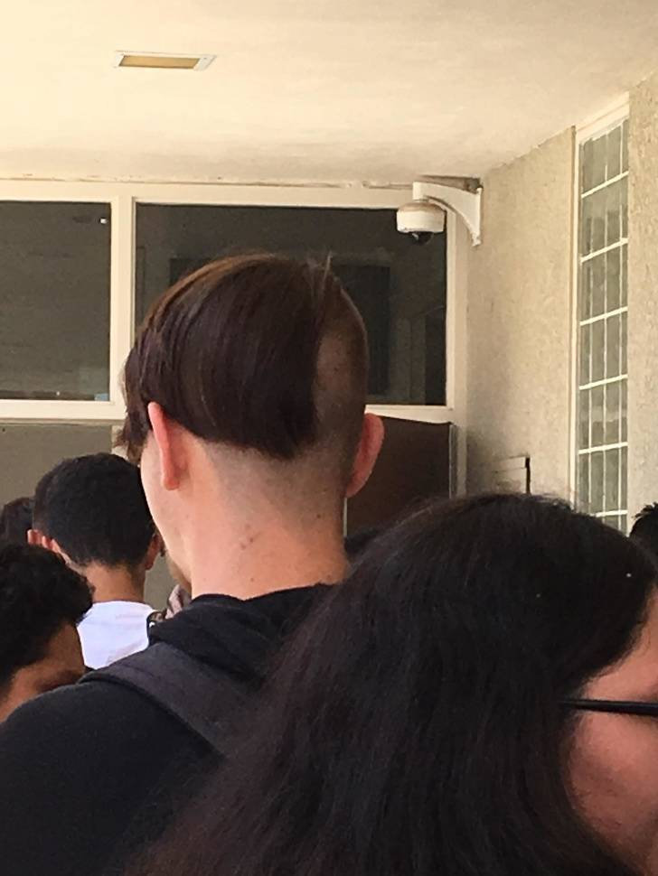 these_haircuts_need_some_real_help_640_high_06