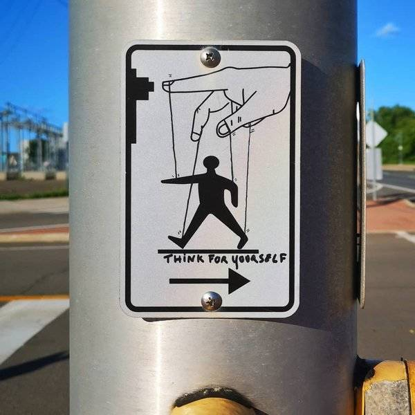 this_street_artist_doesnt_need_much_to_create_his_fantastic_pieces_640_06