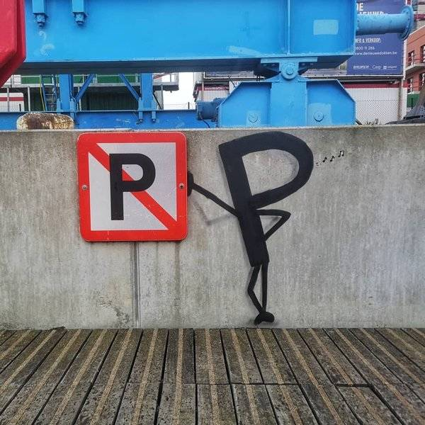 this_street_artist_doesnt_need_much_to_create_his_fantastic_pieces_640_08