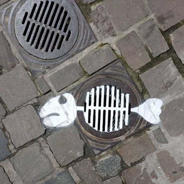 this_street_artist_doesnt_need_much_to_create_his_fantastic_pieces_640_26