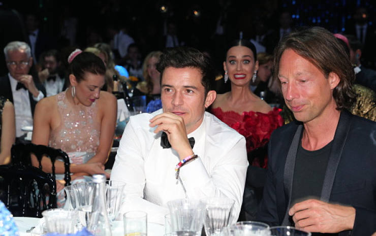 these_celebs_are_photobomb_masters_640_18